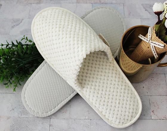 菠萝绒拖鞋