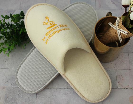 米黄色超柔拖鞋